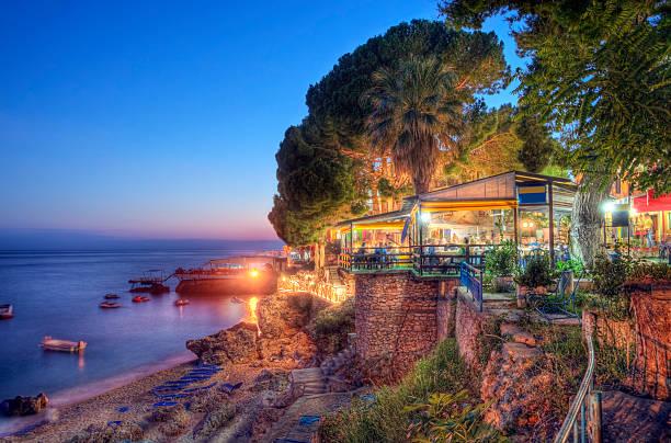 Sommer Abend an der Küste des Ionischen Meeres – Foto