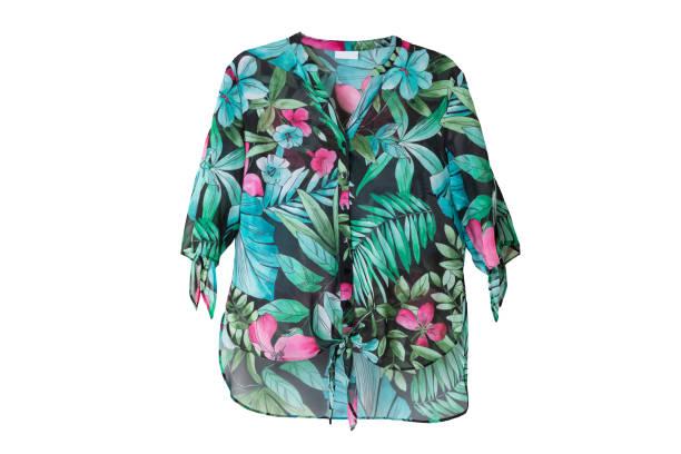 sommer mode bluse. weibliche grüne florale sommer bluse isoliert auf weiss. - vogue muster stock-fotos und bilder