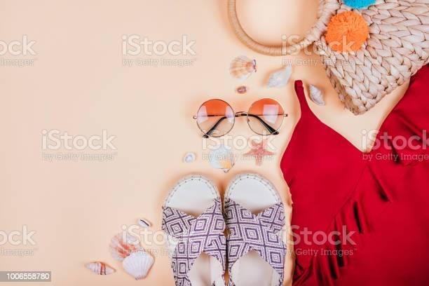 Summer fashion flatay picture id1006558780?b=1&k=6&m=1006558780&s=612x612&h=ueksm1vikycqiibqmydqowlqqzkj5o5u huflagl9wi=