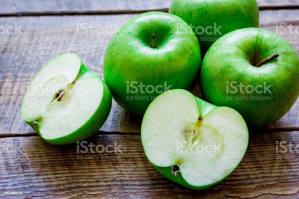 summer food with green apples on wooden background foto stock royalty-free