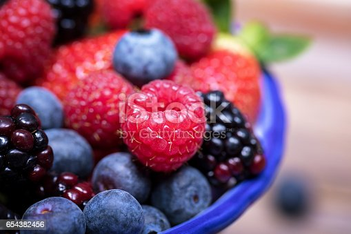 841659594 istock photo Summer fruits macro 654382456