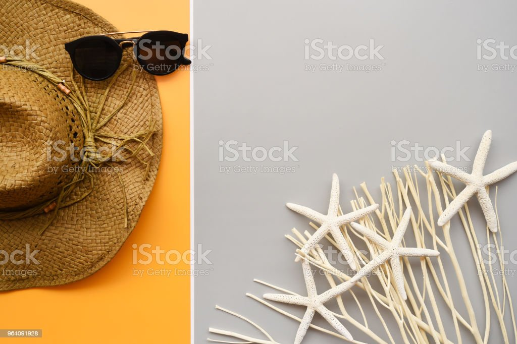 Summer hat and sunglasses - Royalty-free Beauty Stock Photo