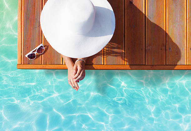 sommerurlaub mode-konzept - sommer teenagermode stock-fotos und bilder