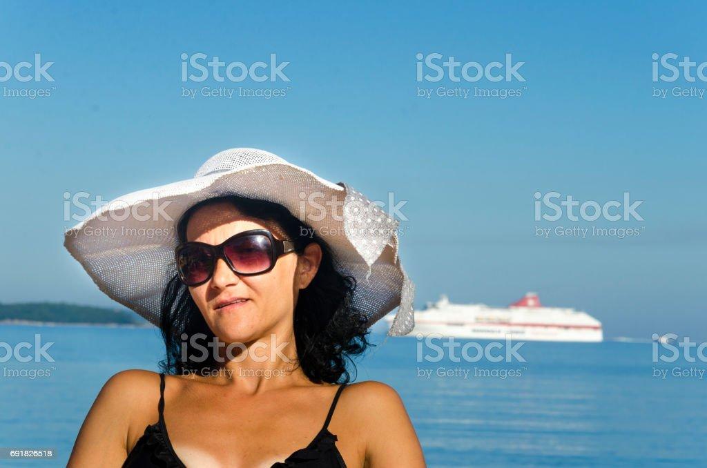 De Y Concepto Vacaciones Verano Chica Bikini Sentada En FcKJ1Tl