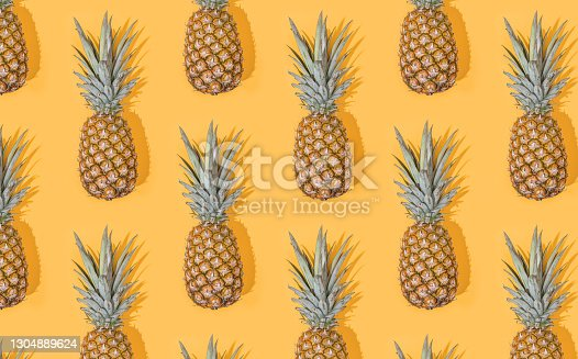 Pineapple seamless pattern
