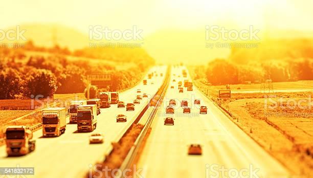Summer On The Freeway Foto de stock y más banco de imágenes de Abstracto