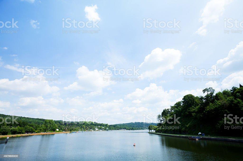 Sommer-panorama von lake Baldeneysee – Foto