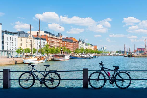 赫爾辛基老港口碼頭夏季全景 - 芬蘭 個照片及圖片檔
