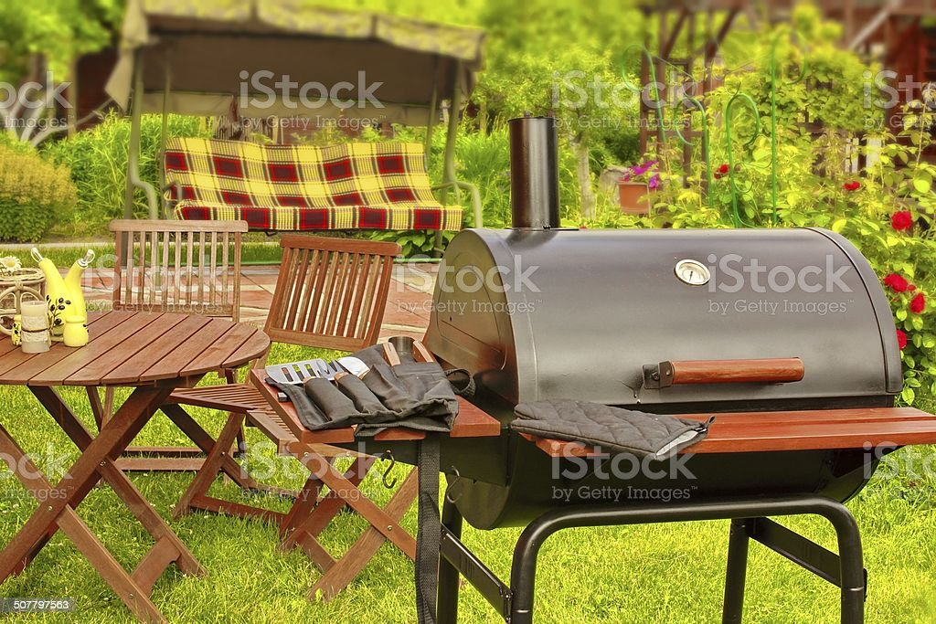 Etonnant Summer Picnic In The Backyard Royalty Free Stock Photo