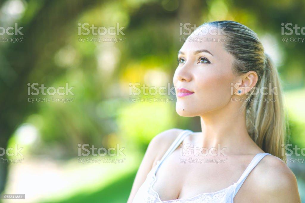 Sommer-Porträt von schöne junge Frau - Lizenzfrei 25-29 Jahre Stock-Foto