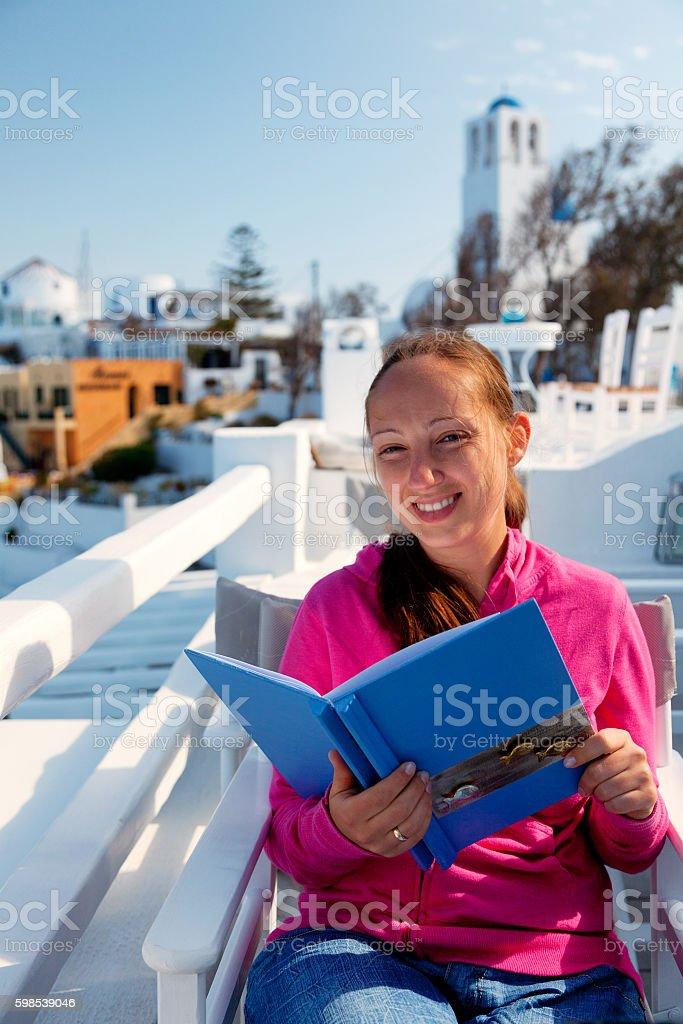 Villégiature estival dans la ville de Fira, Santorin photo libre de droits