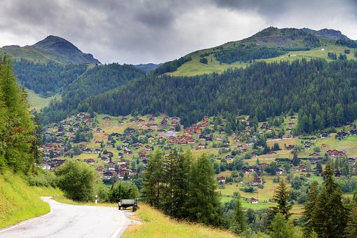 Summer road to Grimentz
