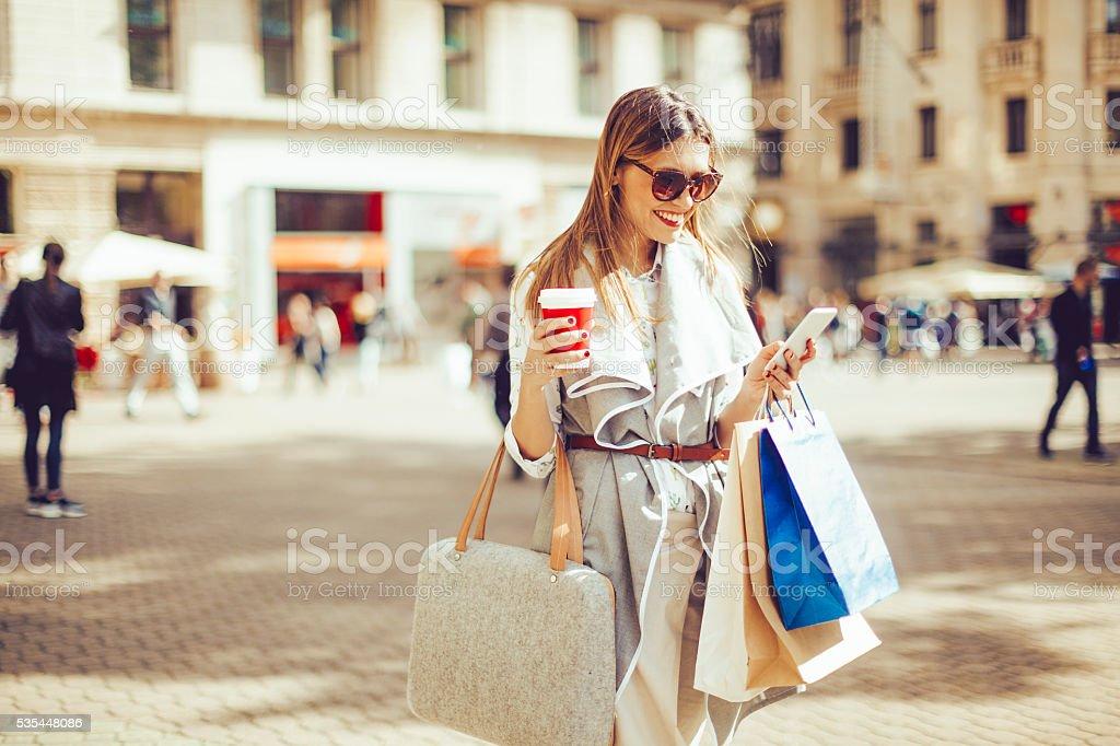 shopping d'été - Photo de Accro du shopping libre de droits