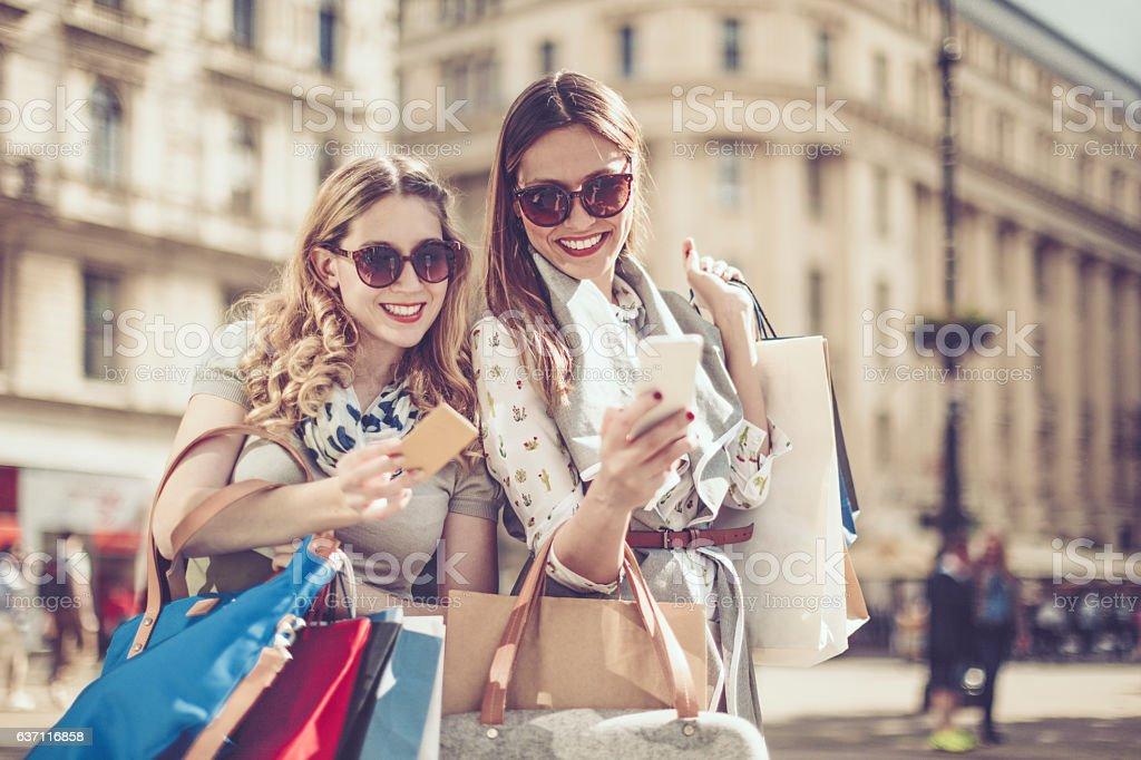 Verano de compras - foto de stock
