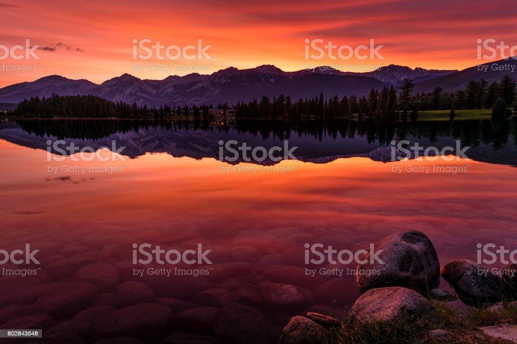 Summer Sunrise Lac Beauvert Jasper National Park, Albert Canada stock photo