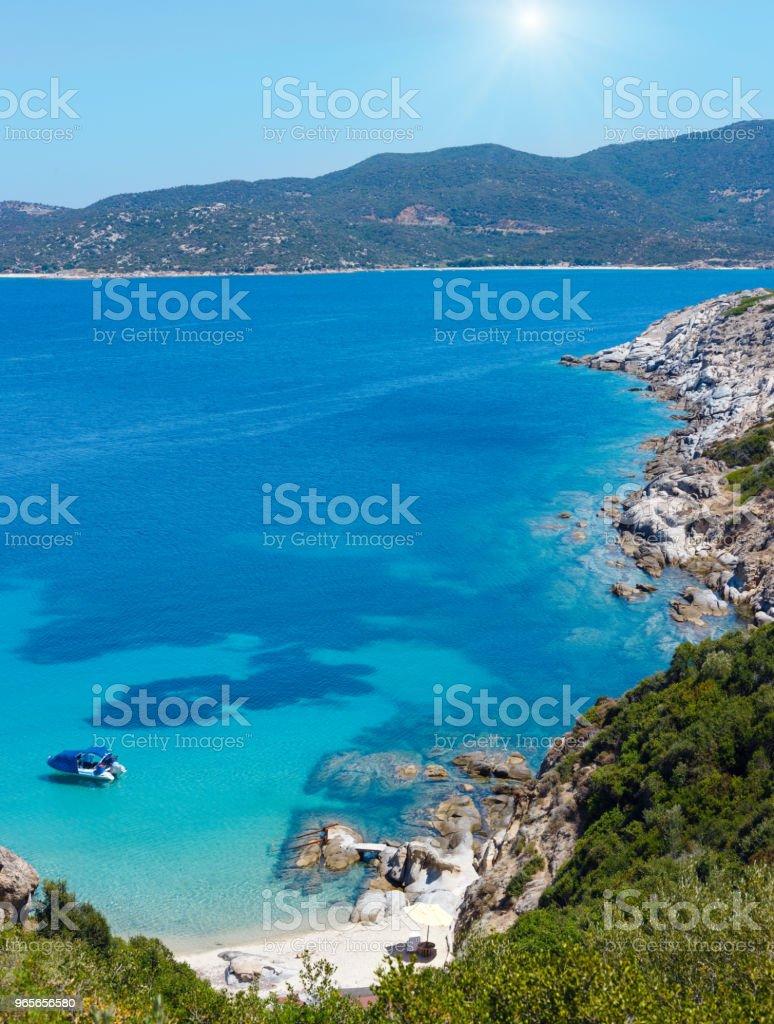Sommer sonniger Küste (Chalkidiki, Griechenland). – Foto