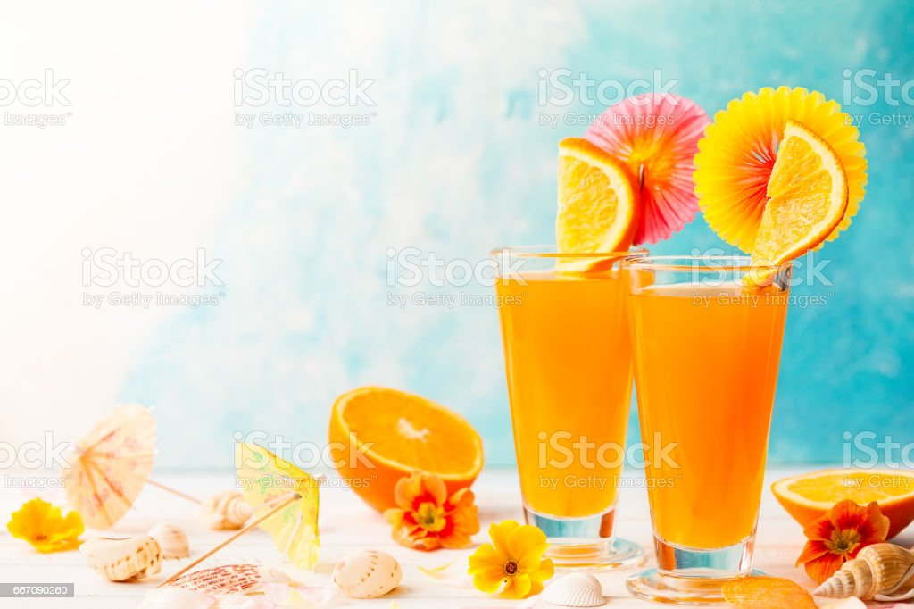 summer tropical cocktail - foto stock