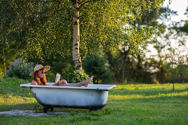 Summer_bathtub_book_1 – Foto