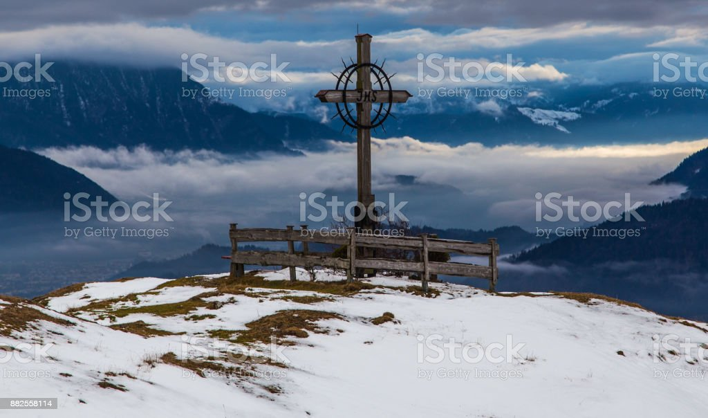 Gipfelkreuz, Winter in den Alpen, Bayern, Deutschland – Foto
