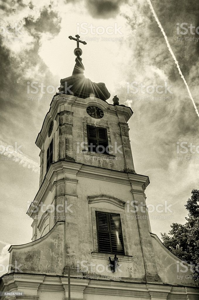 sun behind the ortodox church foto de stock libre de derechos