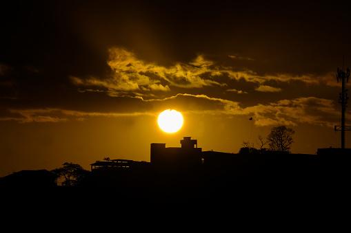 Sun in the late afternoon (Sol em fim de tarde)