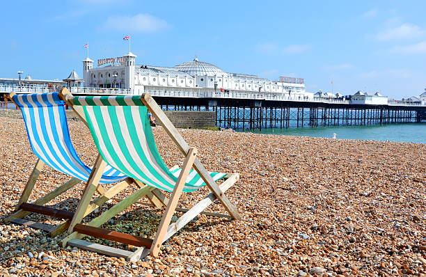 sun loungers - east sussex stockfoto's en -beelden