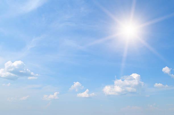 Soleil sur ciel bleu - Photo