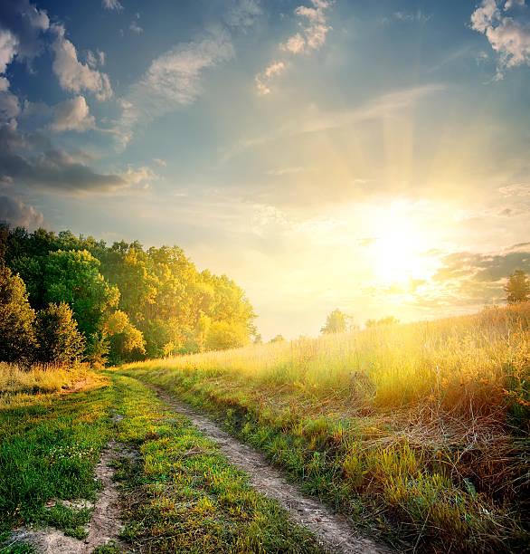 Sunbeams and country road picture id522485306?b=1&k=6&m=522485306&s=612x612&w=0&h=qbikuvexkazr0k ttwd0dwbda87tioikvshf33tra9w=