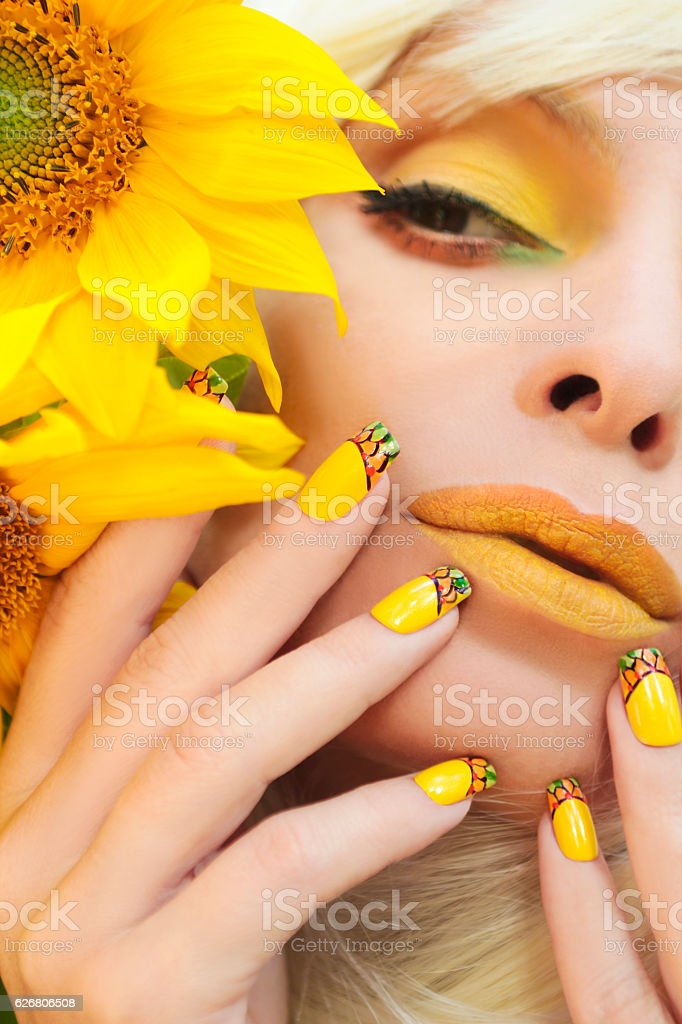 Sunflower Nail Design Stock Photo More Pictures Of Adult Istock