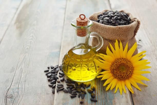 Sonnenblumenöl in Flaschen – Foto