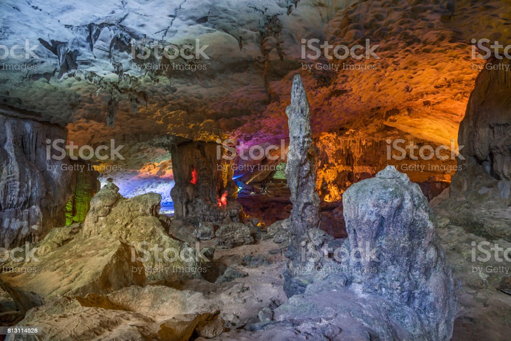 Sung Sôt Cave, Surprise Grotto, Bo Hòn Island, Halong Bay, Vietnam stock photo