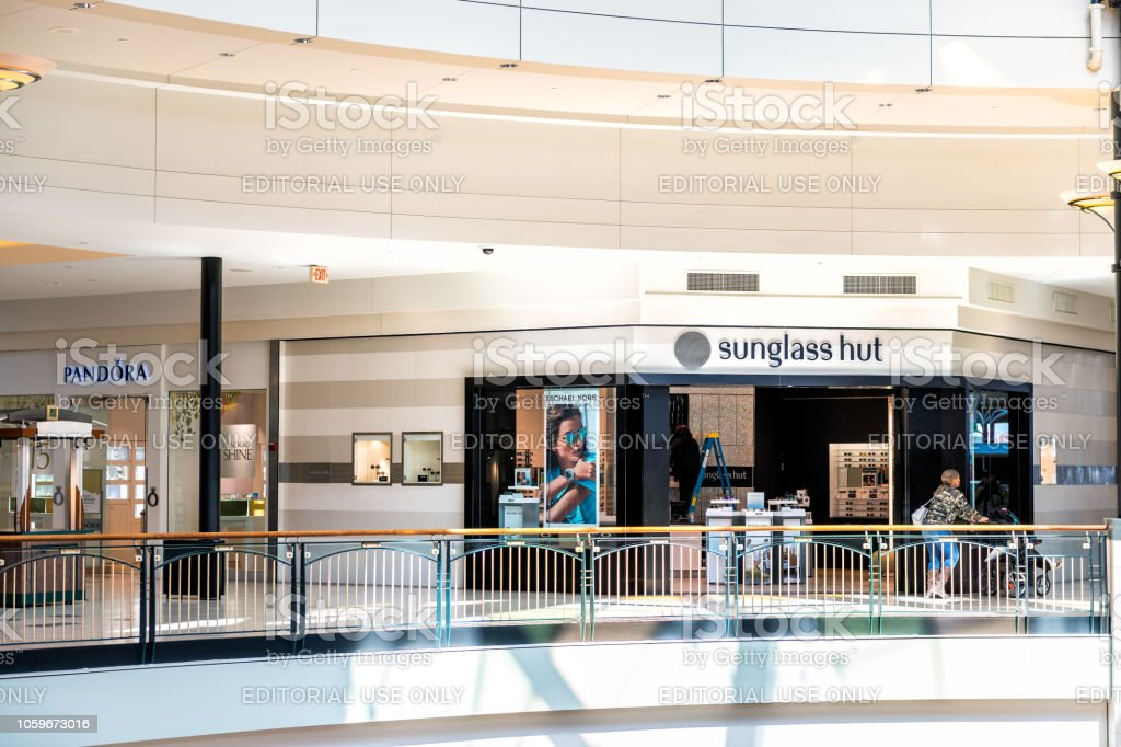 Sunglass Hut And Pandora Jewelry Store Stores Shop Shops In Fair