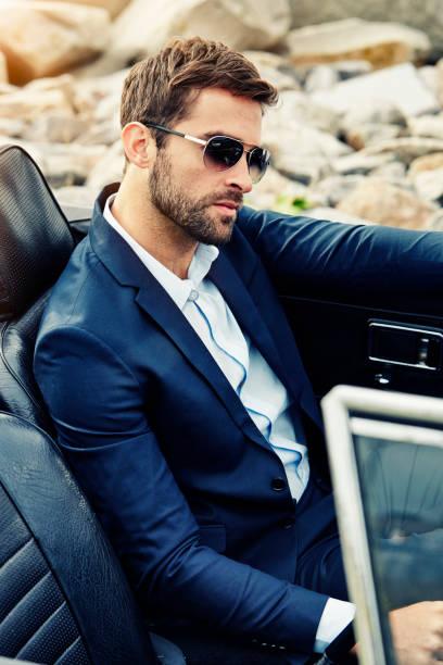 sonnenbrillen und geeignet - 1m coupe stock-fotos und bilder
