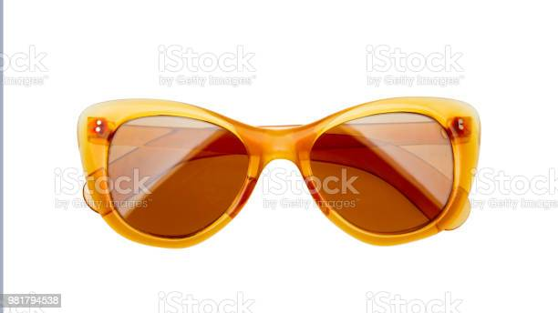 Sunglasses isolated on white background picture id981794538?b=1&k=6&m=981794538&s=612x612&h=9xurijojbyy1ly4hk84ldnpn3pr5lkljmajy8zr6vpc=