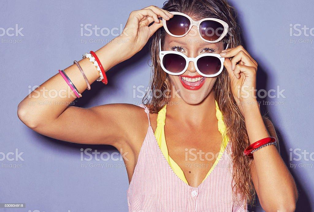b137fef69 Óculos de sol, como batom vermelho Alterar tudo foto de stock royalty-free