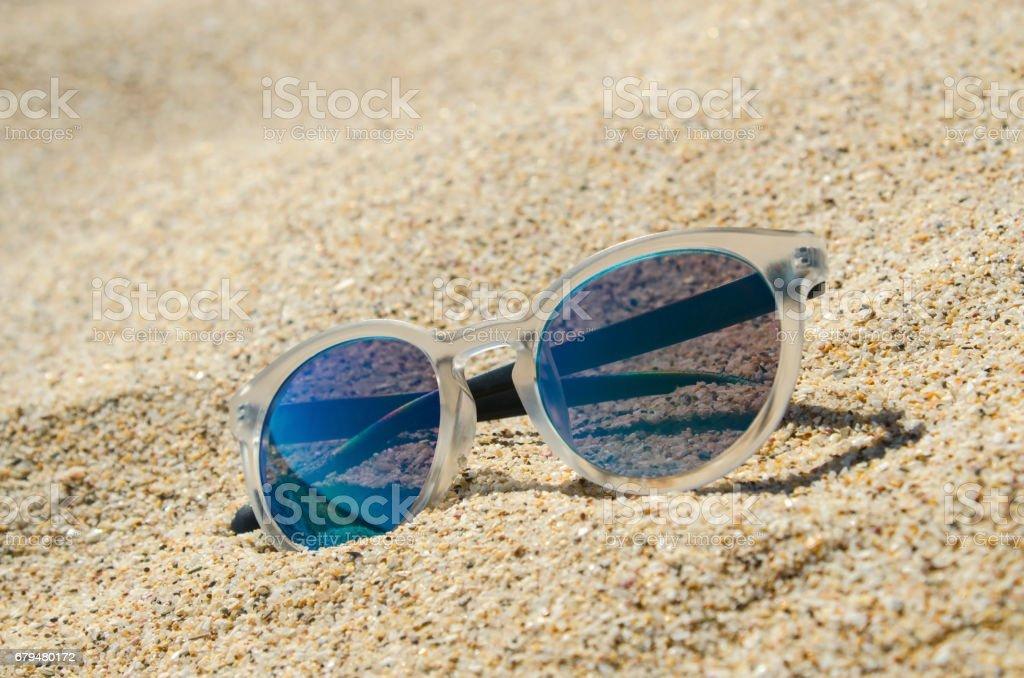 Sonnenbrillen Am Strand Multi Farbige Stylische Modell Mit ...