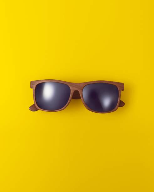 lunettes de soleil - objet jaune photos et images de collection