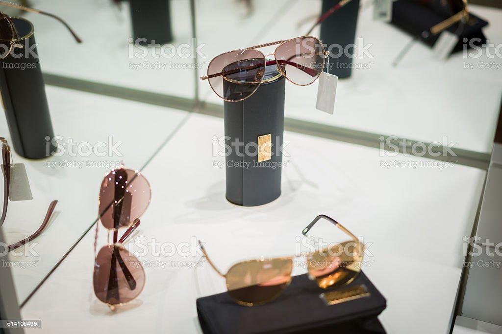 Escaparate Gafas De Sol Foto De Stock Y Más Banco De