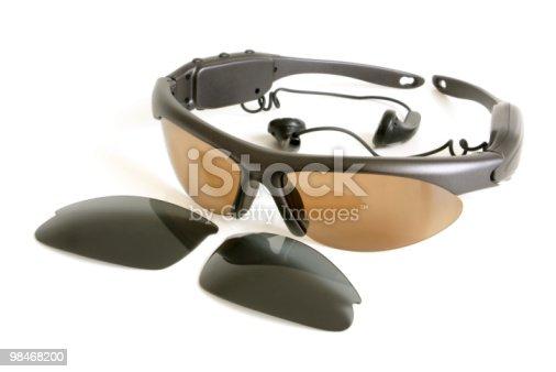 Occhiali Da Sole Con Gli Auricolari - Fotografie stock e altre immagini di Accessorio personale
