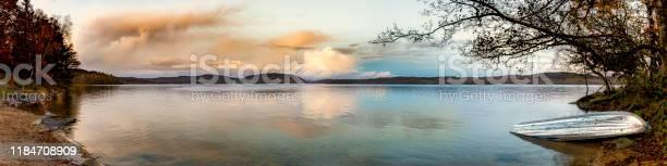 Sunken boat picture id1184708909?b=1&k=6&m=1184708909&s=612x612&h=qm8pu0ztqzydmhbyeunt3fcrfo0j3phl4p7x yaw8 w=