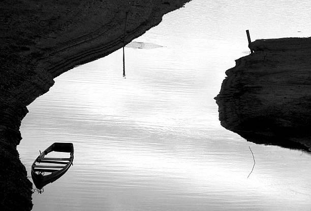 Barco naufragados - foto de acervo