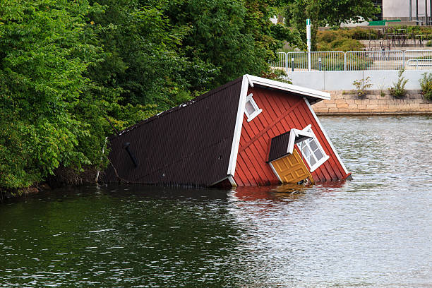 Sunken house A sunken house in a river of Malmö, Sweden sunken stock pictures, royalty-free photos & images