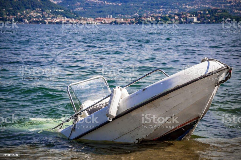 Sunken inflatable boat - foto stock