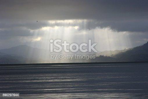 Sunlight Beams Over Bay-foton och fler bilder på Astoria - Oregon