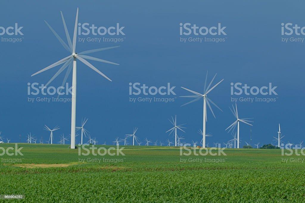 Zonlicht op je eigen windturbine - Royalty-free Buitenopname Stockfoto