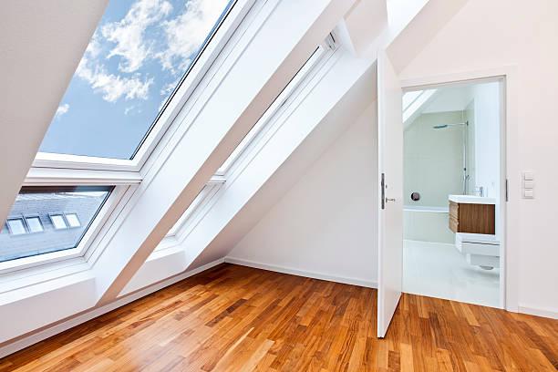 Sonnendurchflutetes moderne Wohnung mit modernem Bad – Foto