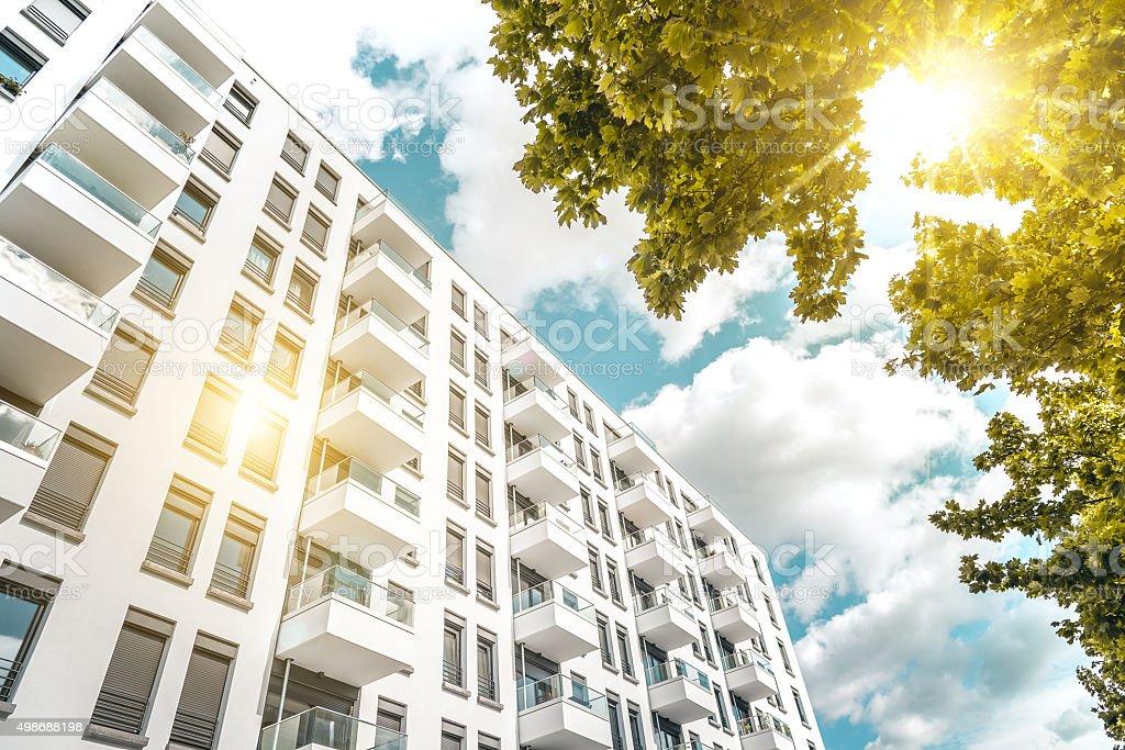 Sonnige modernen cubic weiße Wohnung Häuser in berlin - Lizenzfrei 2015 Stock-Foto