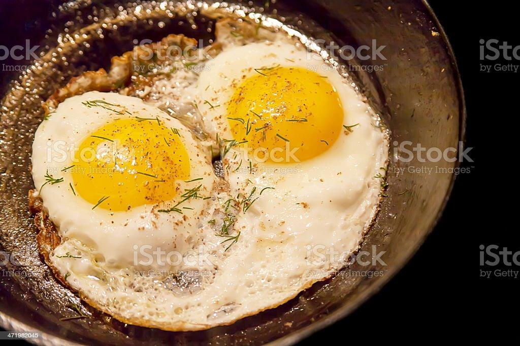 Huevos fritos de un solo lado - foto de stock