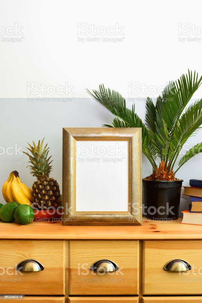 Słoneczna tropikalna letnia koncepcja wnętrza - Zbiór zdjęć royalty-free (Ananas)