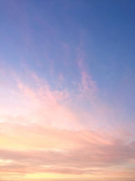 Alba e blu cielo - foto stock
